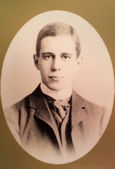A portrait of Lawrence Oates at the age of 18.