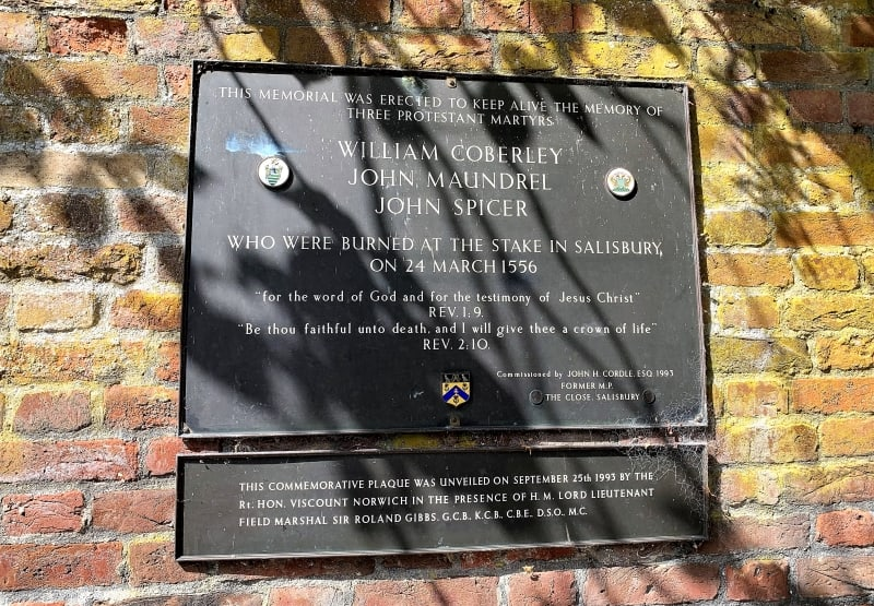 A close up of the plaque telling people about the Protestant martyrs who were executed in Salisbury.