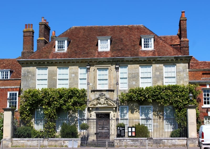 The outside of Mompesson House in the cathedral close.