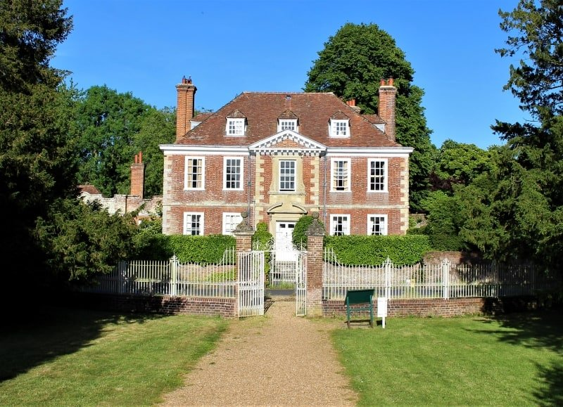 The outside of Moot House in Downton near Salisbury.