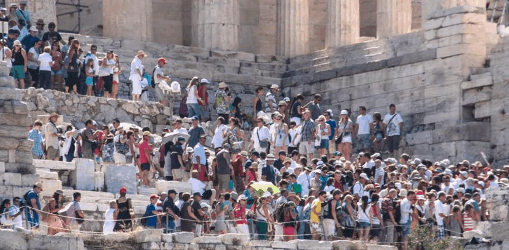 Queues for getting on to the Acropolis in Athens.