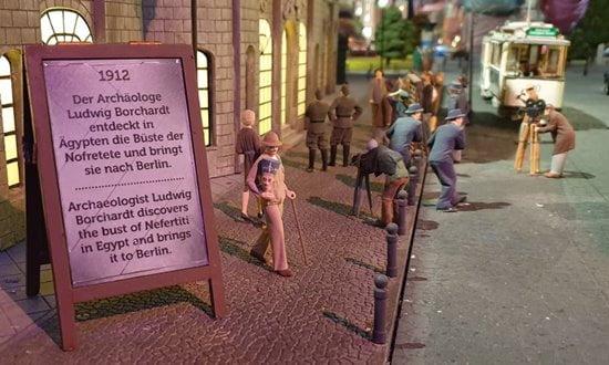 The arrival of Nefertiti in Berlin at Little Big City Berlin.