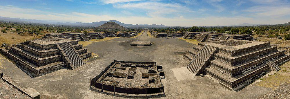 Looking down the Avenue of the Dead at Teotihuacán, Mexico.