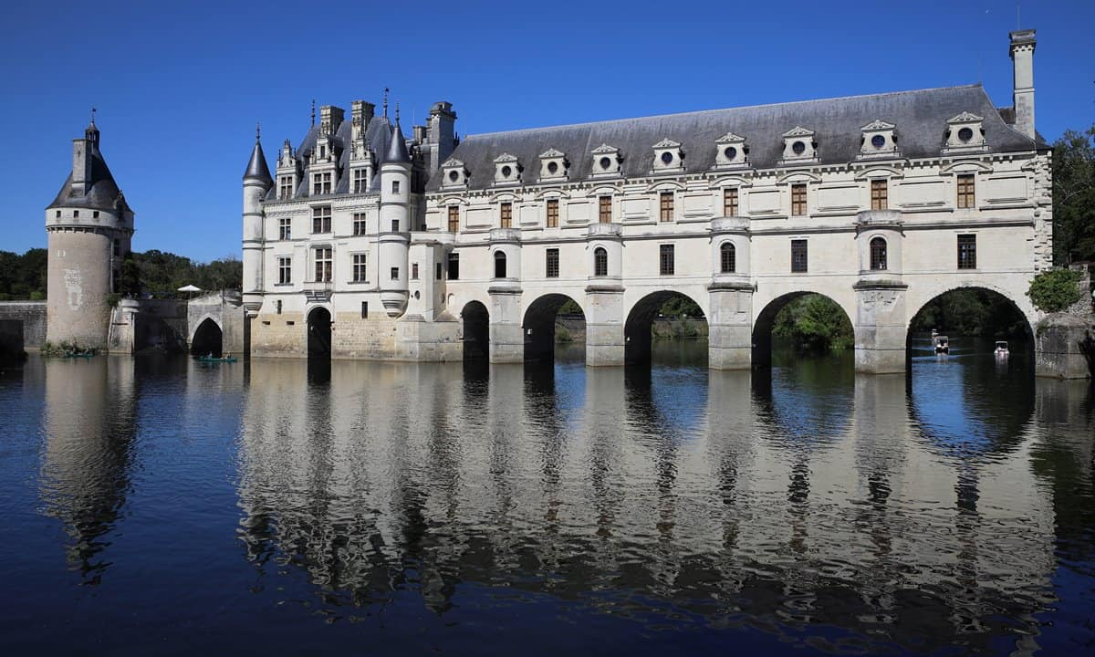 Château de Chenonceau spanning the Cher River in the Loire Valley, France.