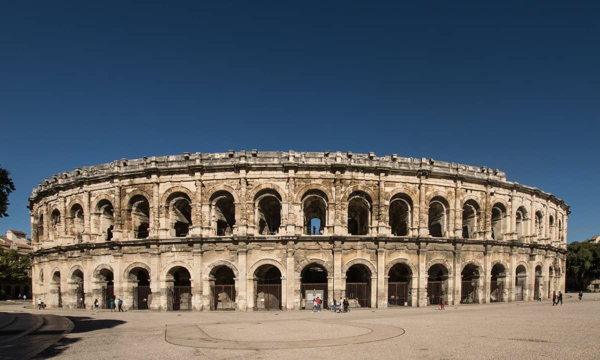 The well preserved Arènes de Nîmes, with its two levels of 60 arches.