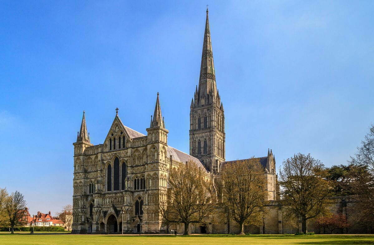 Looking at the western portal of Salisbury Cathedral, England, on a bright sunny day.