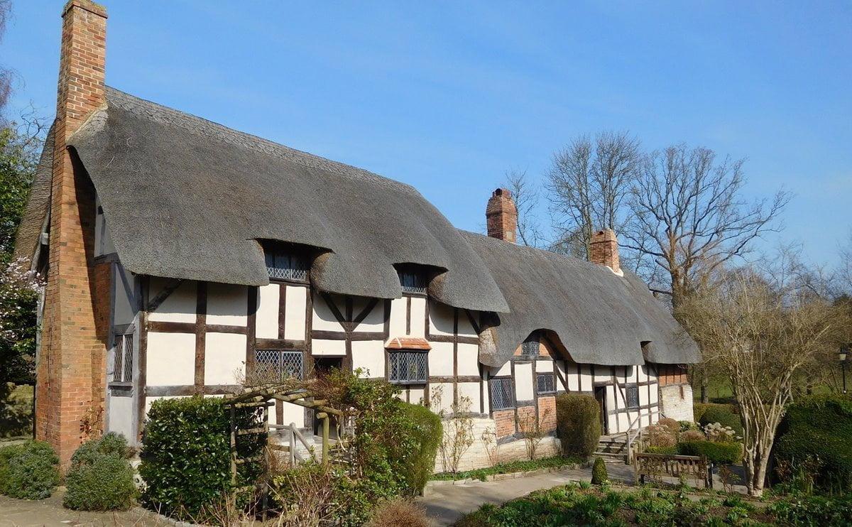Anne Hathaway's cottage in Stratford-upon-Avon, Warwickshire.
